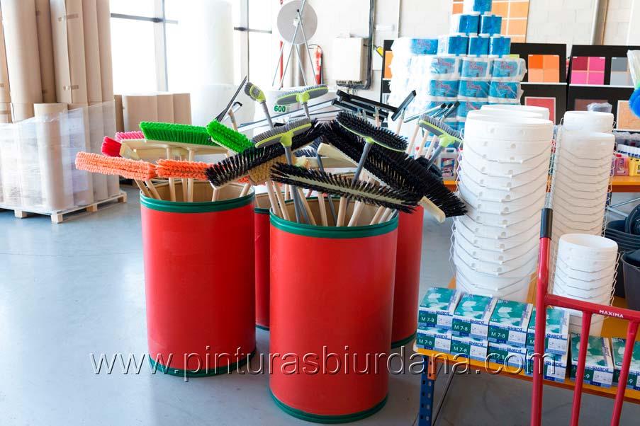 material limpieza escoba cepillo cartón